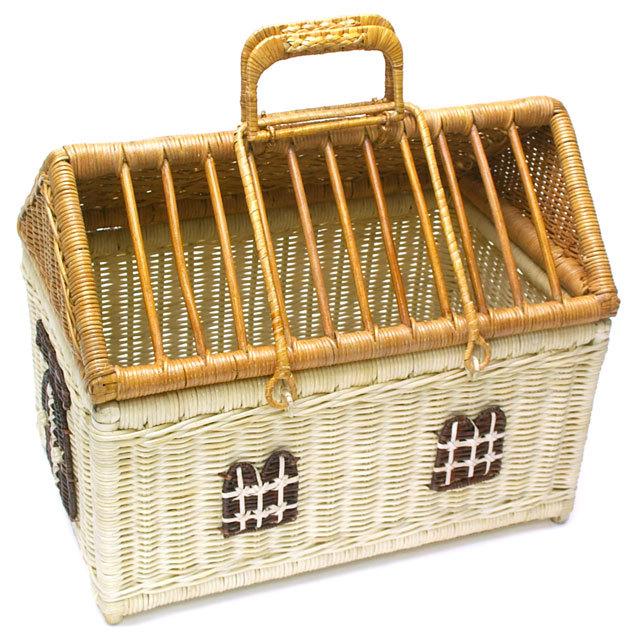 木製すのこ付きうさぎの家型ラタンキャリー