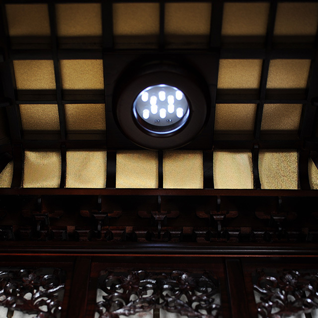 LED照明と天井