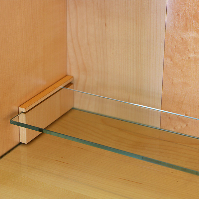 ガラスの須弥壇