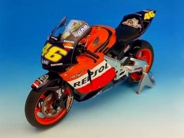 特別販売 ツインリンクもてぎ限定 HONDA RC211V 2003 V. Rossi (REPSOL) 日本GP仕様