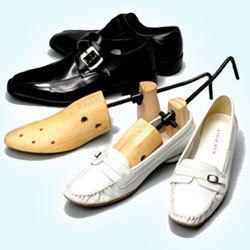 TVで紹介!キツイ靴を無理なく調整!シューズストレッチャー 2個セット(両足に!)の画像