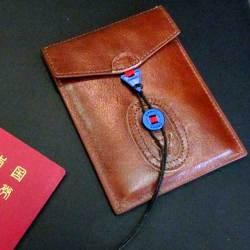 ザ・ケースバイケース パスポートケースの画像