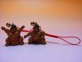 【日本のおみやげ】◆お相撲さんストラップ赤(仕切り)(雲竜型)2種類よりお選びください。