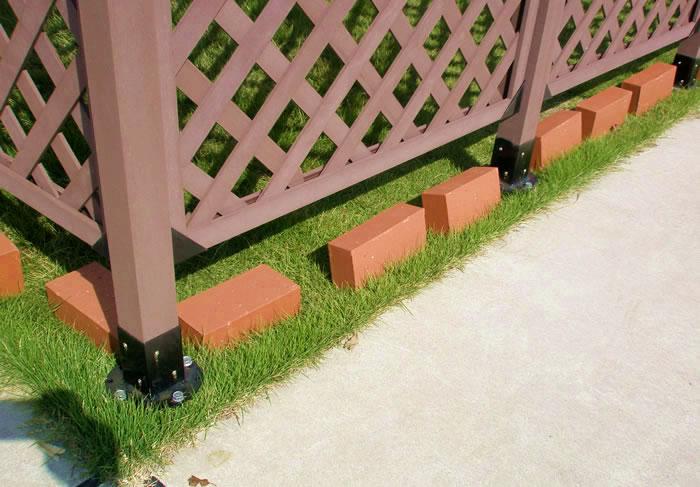 芝生上での取り付け