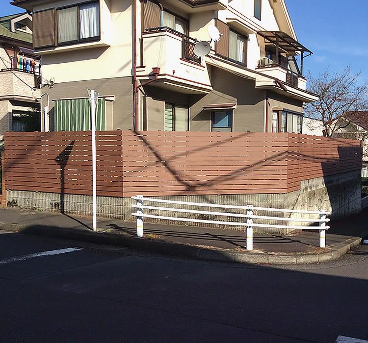 お庭への人工木フェンス完成