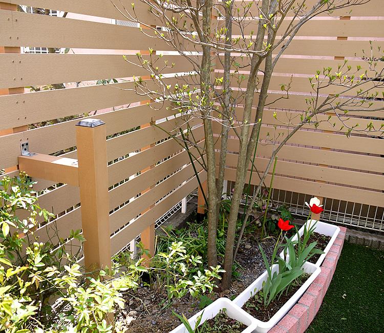 花壇部分への基礎設置
