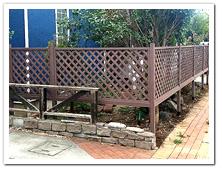 天然木ラティスから人工木ラティスへのお取り替え設置
