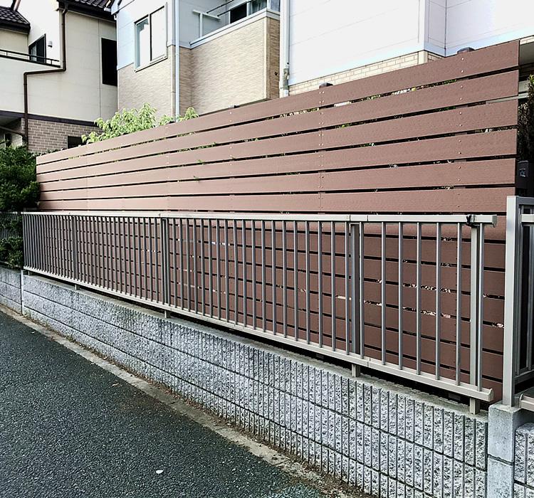 人工木フェンス設置完了!