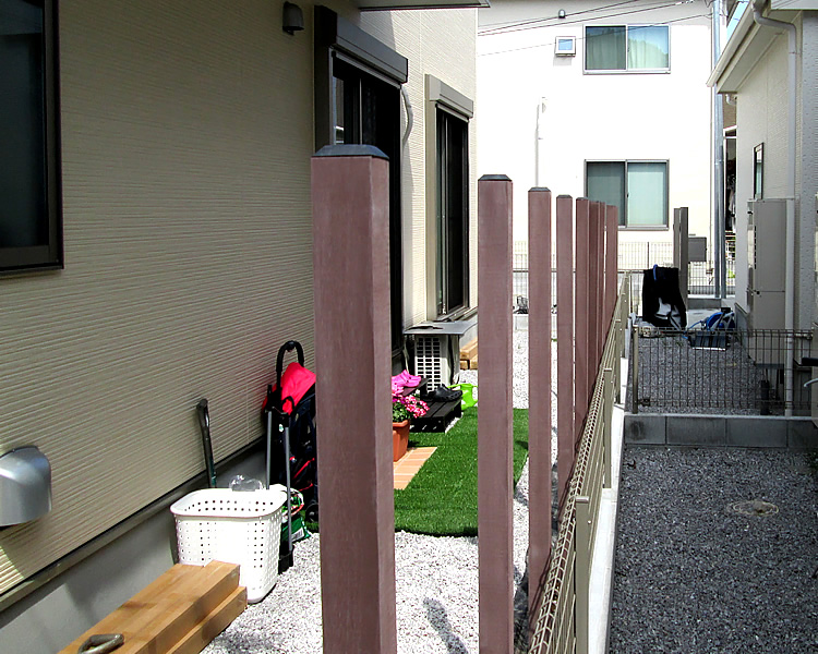 支柱の設置風景