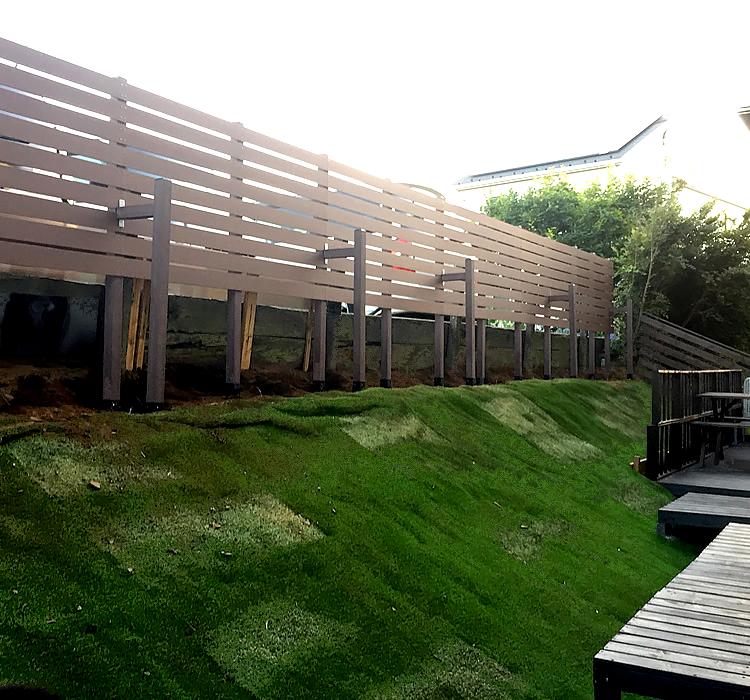 樹木撤去後のボーダーフェンス完成
