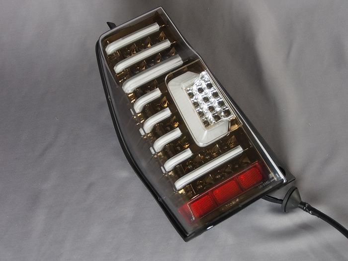 【ダイハツ】【タントカスタム】 LA600S(H25.10〜H27.04) LEDテールランプ ブロンズ