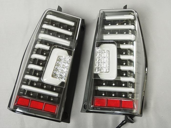 【ダイハツ】【タントカスタム】 LA600S(H25.10〜H27.04) LEDテールランプ ブラック