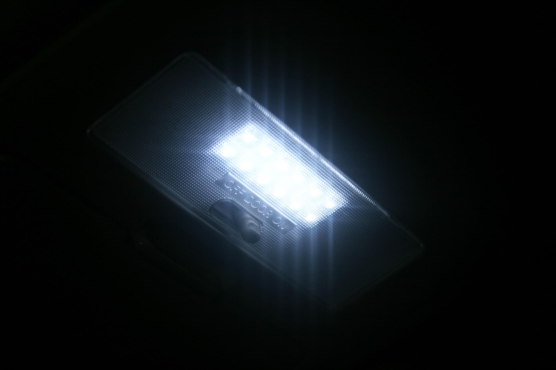 【TOYOTA】【ランドクルーザープラド】 KDJ120,KDJ121,KDJ125 LEDルームランプ(白色) 68発【メール便可】