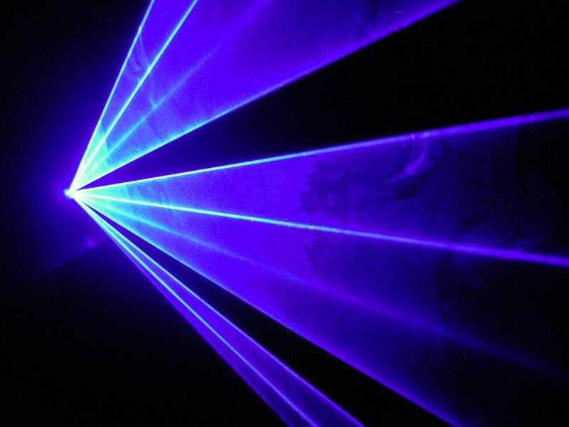 【新製品!】光学式500mw低価格ブルーレーザービーム (レーザーライト)登場