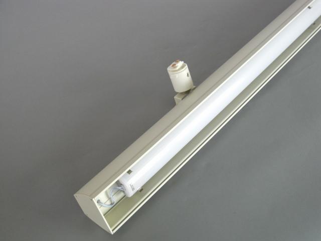 【即納】 UNITY/ユニティ LED ダクトレールスポットライト ベースライト 自在型 600mm 色温度5000K 本体白 ☆LEDレールライト ベース☆ UFL-8451W-50