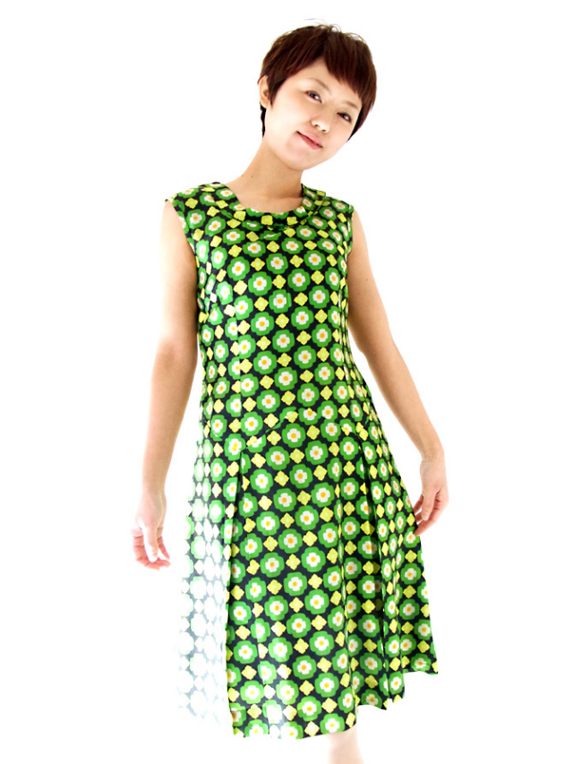 【ヨーロッパ古着】フランス買い付け ブラックXグリーン レトロ花柄プリント ヴィンテージ ワンピース【送料無料】