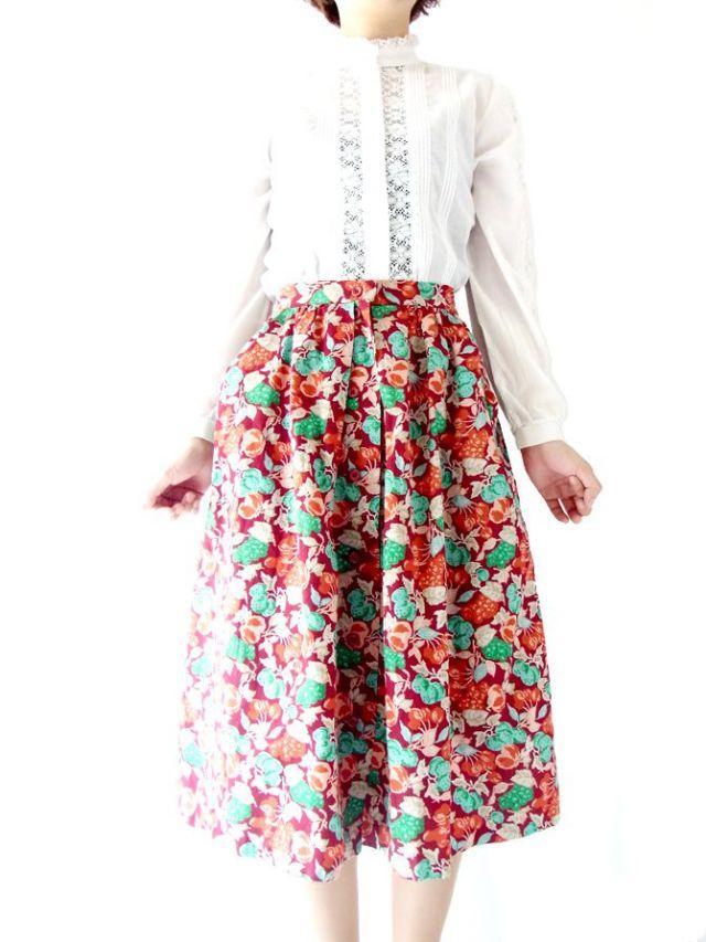 【ヨーロッパ古着】フランス買い付け ワインレッド×グリーン・ぶどう柄×前ボタン スカート 13FC531【美品】