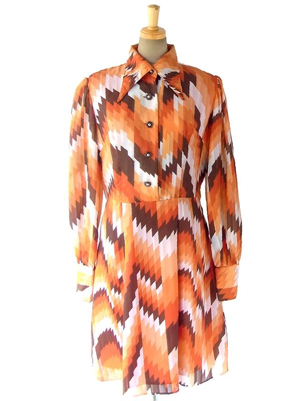 ヨーロッパ古着 ロンドン買い付け 70年代製 オレンジ・ブラウン・ホワイト 幾何学模様 レトロ ワンピース 16BS401