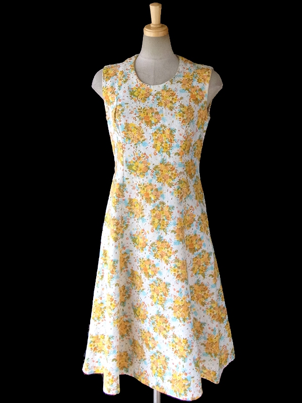 ヨーロッパ古着 フランス買い付け 60年代製 オフホワイト X凹凸でパターンが浮かぶ生地 X カラフルな花柄 Aライン ワンピース 16FC206