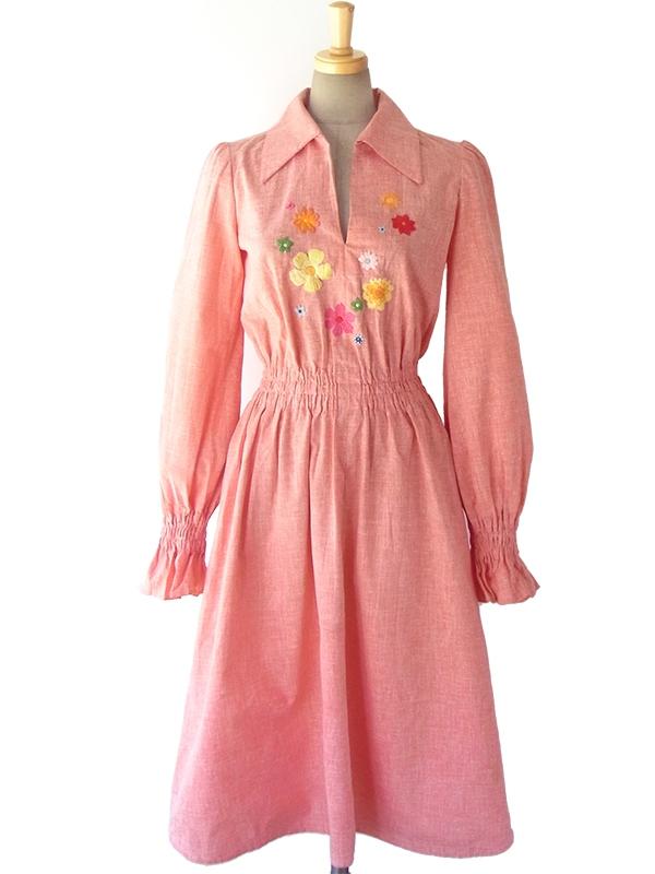 【送料無料】 ロンドン買い付け 60年代製 アプリコットピンク X カラフル花柄刺繍 ヴィンテージ ワンピース 16OM311【ヨーロッパ古着】