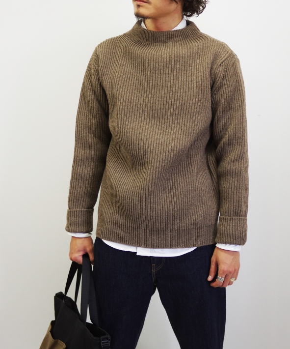 ANDERSEN ANDERSEN/アンデルセンアンデルセン THE NAVY - CREW NECK [NATURAL COLOR WOOL] (全2色)