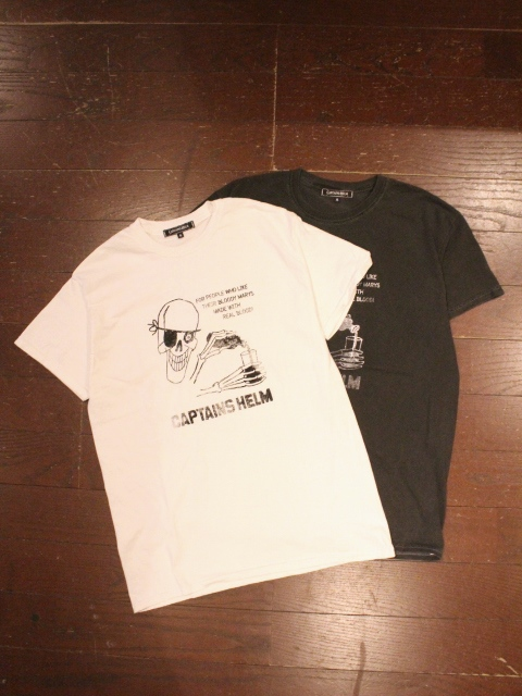 CAPTAINS HELM 「PIRATES #REAL BLOOD TEE」    プリントティーシャツ