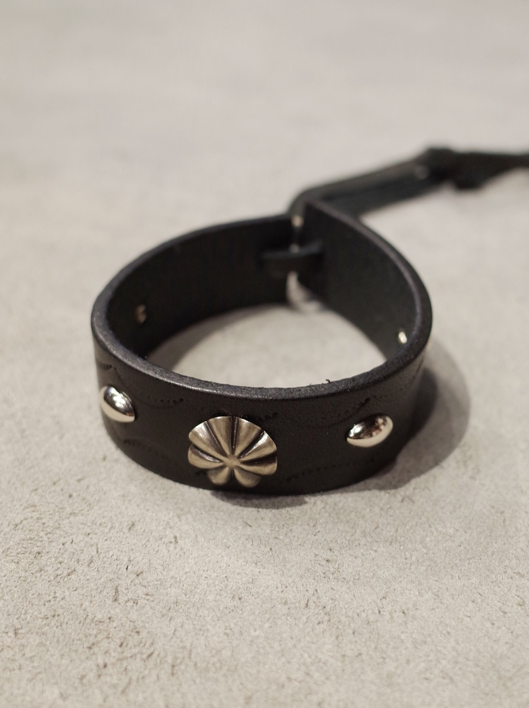 DEXTER  「SILVER CONCHO LEATHER BRACELET 」  SILVER製コンチョ レザーブレスレット