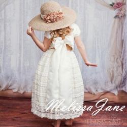 クリームアイボリーのレースフラワードレス「Cream Ivory Lace Flower Girl Dress」2歳から8歳