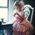 上品なバブルバッスルフラワーガールドレス「Elegant Bubble Bustle Flower Girl Dress」0歳から12歳