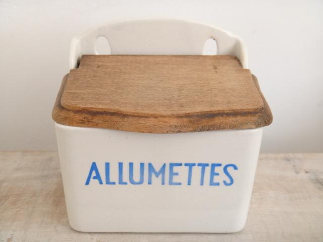 フランス アンティーク アリュメット 缶 ALLUMETTES Badonviller 製