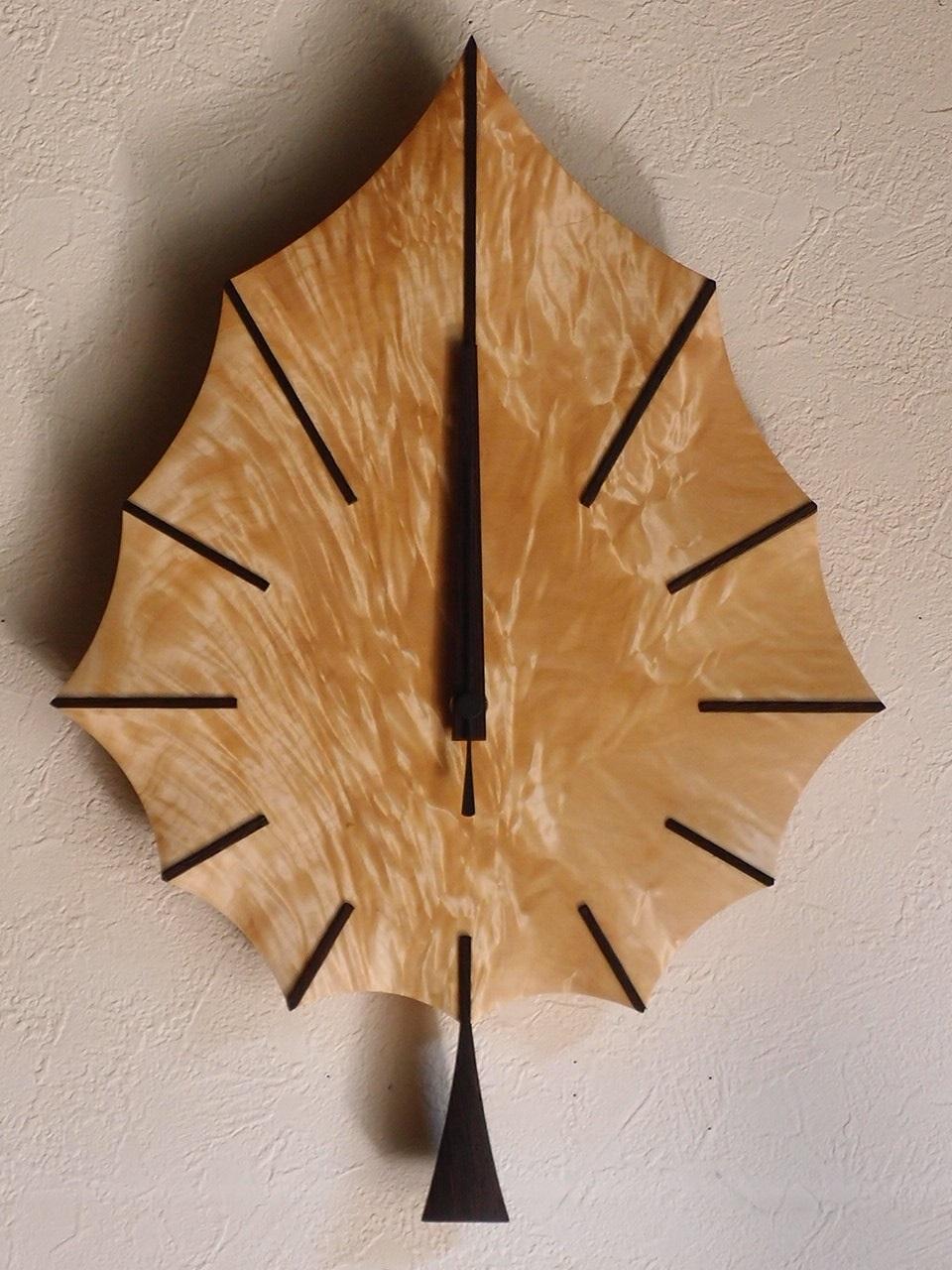 手作り木製電波掛け時計 とち はっぱ