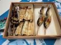 鮎塩焼き,国産鰻白焼き頭肝骨(タレ山椒付属)化粧箱入りセット 各2尾入,各3尾入ご用意しています