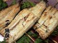 お店で活鰻を捌き炭火で丁寧に焼き上げています!【串付き国産鰻白焼き】2尾入〜 ※濃縮タレ山椒付属