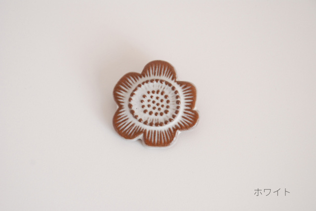 FLOWER TILE BROOCH