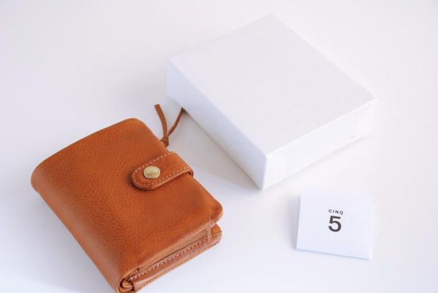 CINQ2つ折り財布