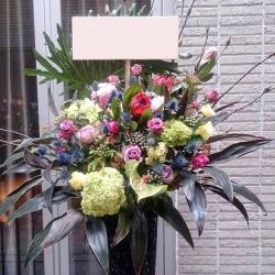 信濃町に贈る お祝いスタンド花 ブラックシードル