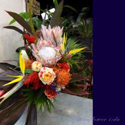 東京出店お祝いのアレンジメント プロテアクイーン 二子玉川の花屋 ネイティブフラワーイーダ