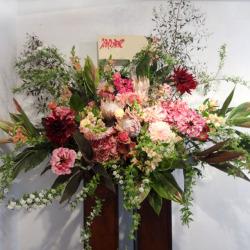 世田谷に贈るお祝い スタンド花 ツインタワー