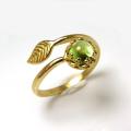 天然石ペリドット指輪リング・リーフ(ベゼルカボションラウンド・6mm)(真鍮ブラス・ゴールドカラー)(1個)