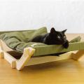 黒猫とハンモックベッド