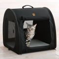 猫にペット用ポータブルハウス
