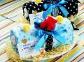 男の子の出産祝いギフトおむつケーキ