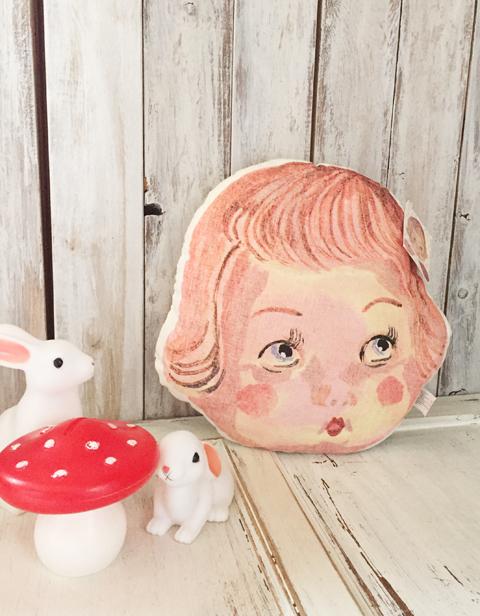ナタリー・レテ Face pillow Doll Face