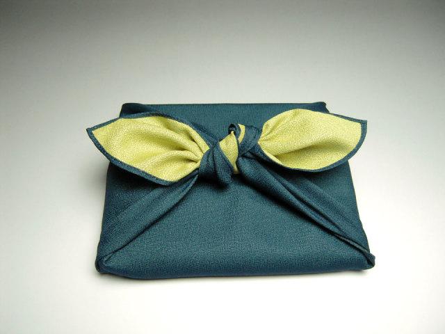 風呂敷ラッピング黄緑、濃紺リバーシブル