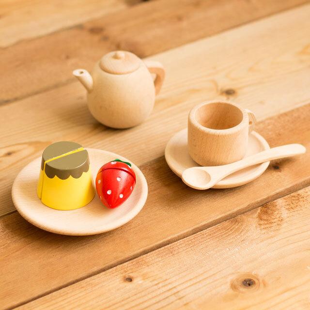 ポットとコーヒーカップ