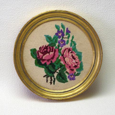 ピンクのバラ 刺繍 (クロスステッチ)額入り