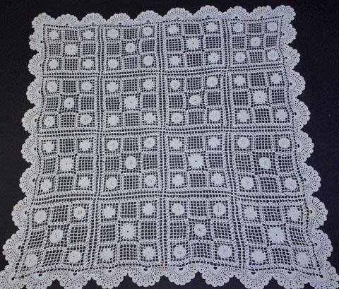 手編みレース テーブルクロス(四角)