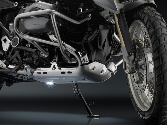 rizoma / リゾマ 正規品 エンジンアンダーガード 足元灯付 BMW R1200GS LC(水冷 '13-) / R1200GS LC Adventure(水冷 '14-)