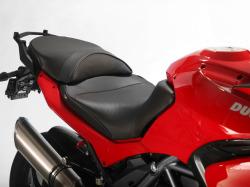Sargent シート Ducati Multistrada 1200 EUレギュラーリアシート パイピング:レッド