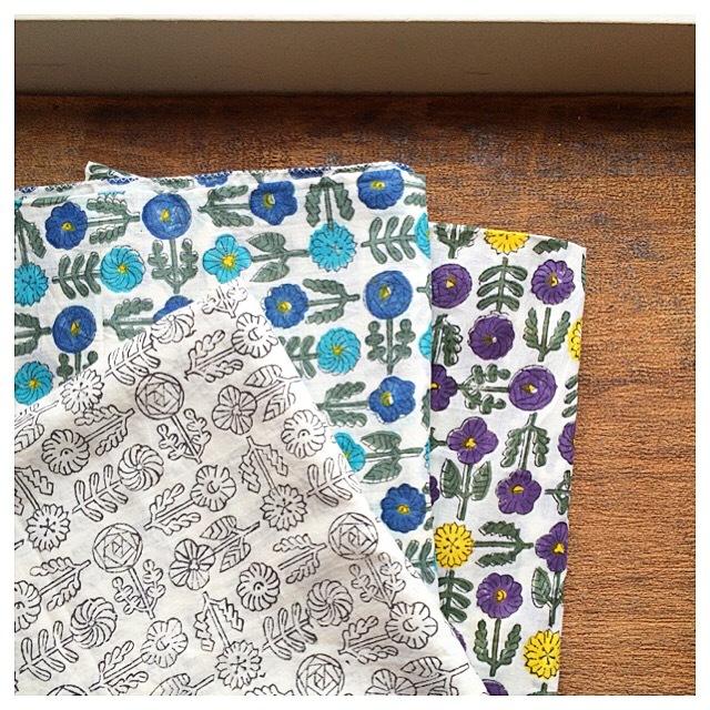 鹿児島 睦 木版プリントのスカーフ